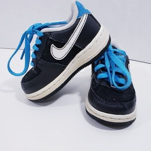 Nike infant sneakers black with Blue laces